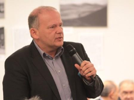 Komlósi Gábor