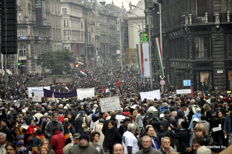 Nem tetszik a rendszer tüntetés - 2011. október 23.